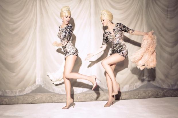 Anne Vyalitsyna & Irina Shayk by Ellen von Unwerth (Sister Act - Vs. Spring-Summer 2013) 12