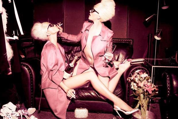 Anne Vyalitsyna & Irina Shayk by Ellen von Unwerth (Sister Act - Vs. Spring-Summer 2013) 5