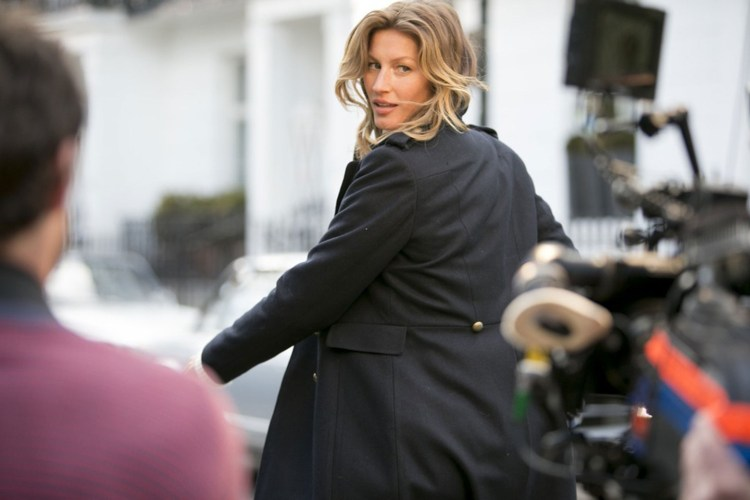 gisele-h-and-m-vogue-1may13-pr-b_1440x960