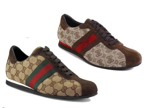 shoe-on-shoe_2181725a