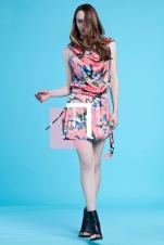 Jedwabna sukienka – tuba w egzotyczny kwiatowy wzór (satyna jedwabna)