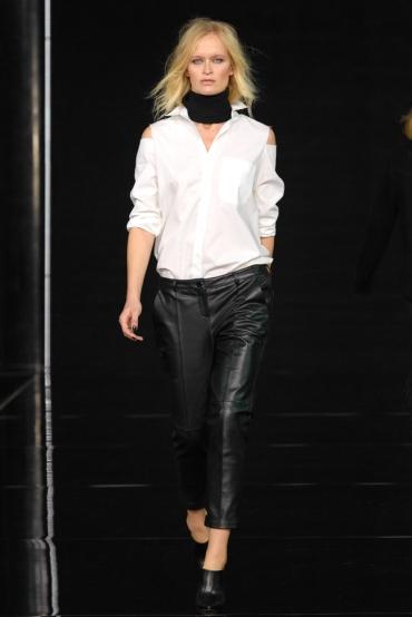 http://fashionmagazineblog.files.wordpress.com/2014/11/anja-rubik-x-mohito-zdj-filip-okopny_04.jpg?w=370&h=&crop=1