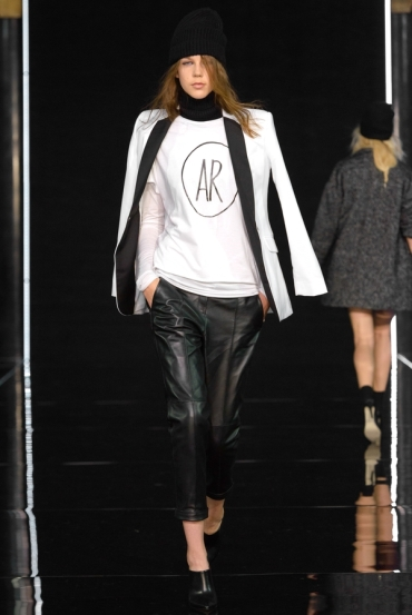 http://fashionmagazineblog.files.wordpress.com/2014/11/anja-rubik-x-mohito-zdj-filip-okopny_19.jpg?w=370&h=&crop=1