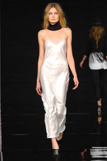 http://fashionmagazineblog.files.wordpress.com/2014/11/anja-rubik-x-mohito-zdj-filip-okopny_21.jpg?w=370&h=&crop=1